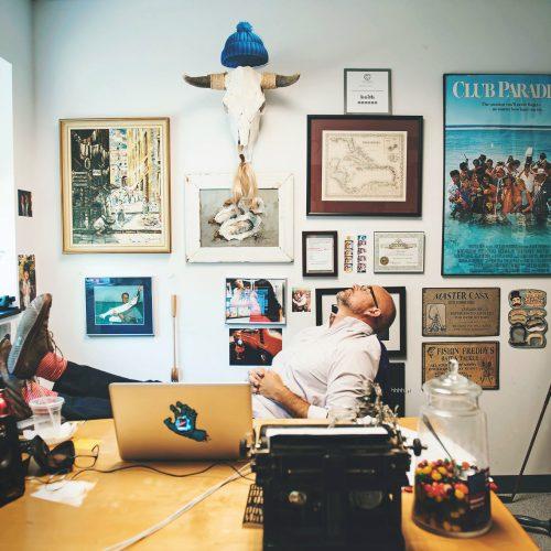 man-in-office_t20_4J3Rly